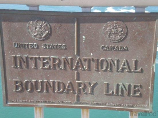 border niagra falls
