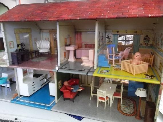 1950s doll house